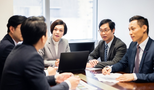 asian-business-meeting